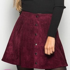 🐙Burgundy faux suede skirt🐙